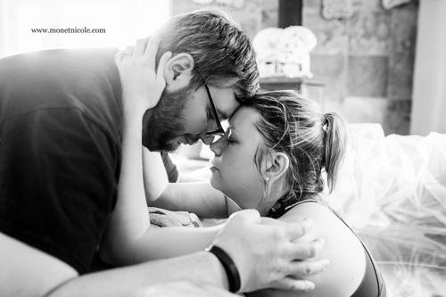Hành động của chồng khiến vợ thích mê khi sinh nở-7