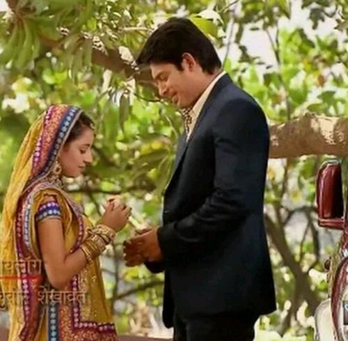 """Nhìn lại quãng đời vật vã vì tình của Anandi 2 trong """"Cô dâu 8 tuổi""""-16"""