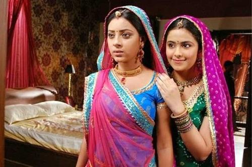 """Nhìn lại quãng đời vật vã vì tình của Anandi 2 trong """"Cô dâu 8 tuổi""""-1"""