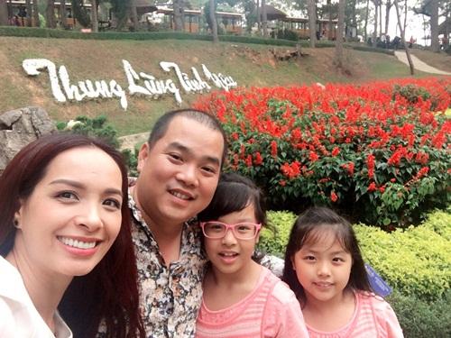 Thúy Hạnh ngọt ngào bên chồng và 2 'công chúa' ở Đà Lạt-4