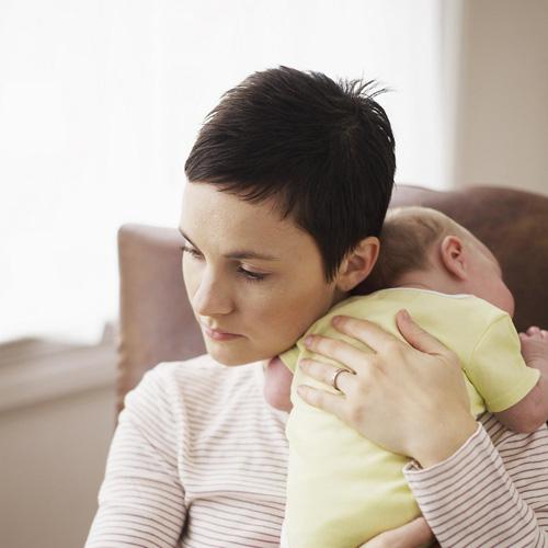 Trẻ vàng da vì mẹ quá kiêng cữ sau sinh-1