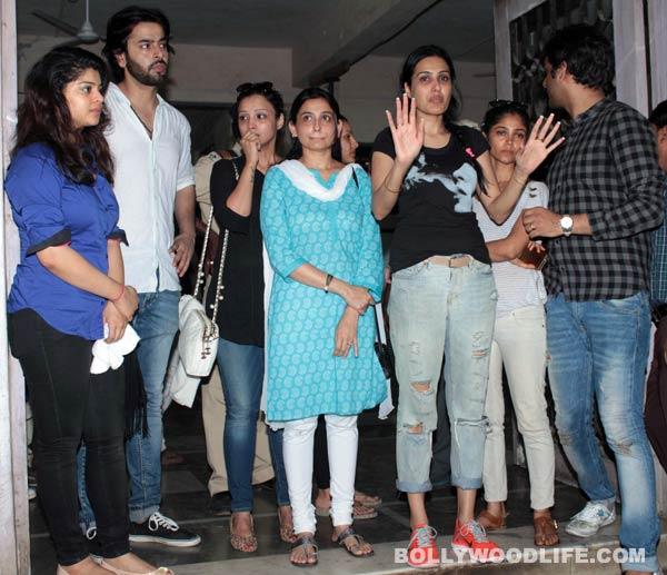 """Bạn diễn phim """"Cô dâu 8 tuổi"""" tới tiễn đưa Pratyusha Banerjee-3"""