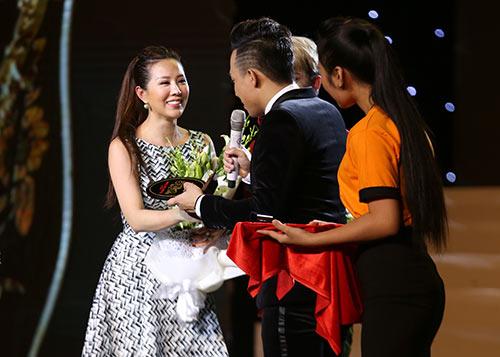 Hoa hậu Thu Hoài lần đầu đưa 3 con đi sự kiện-7