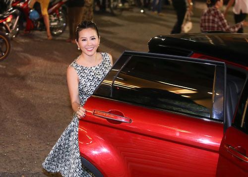 Hoa hậu Thu Hoài lần đầu đưa 3 con đi sự kiện-1