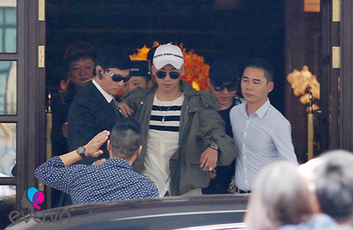 seungri (big bang) thoat khoi vong vay fan tro ve han - 4