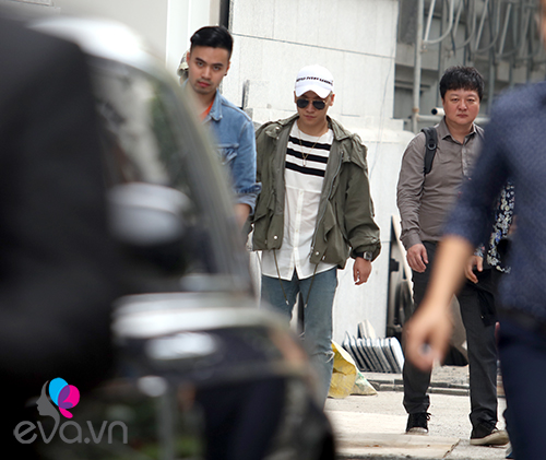 seungri (big bang) thoat khoi vong vay fan tro ve han - 12