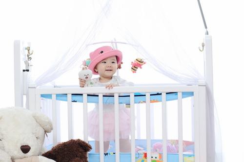 Con gái Trang Nhung cực hóm hỉnh đón sinh nhật đầu tiên-5