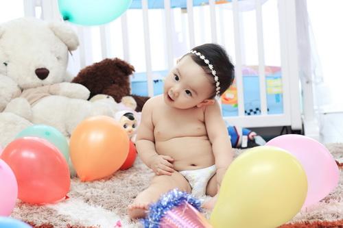 Con gái Trang Nhung cực hóm hỉnh đón sinh nhật đầu tiên-3