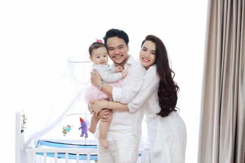 Con gái Trang Nhung cực hóm hỉnh đón sinh nhật đầu tiên-1