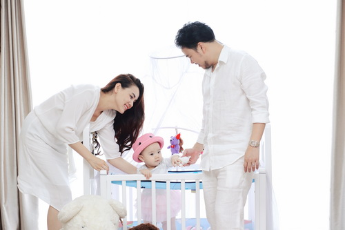 Con gái Trang Nhung cực hóm hỉnh đón sinh nhật đầu tiên-2