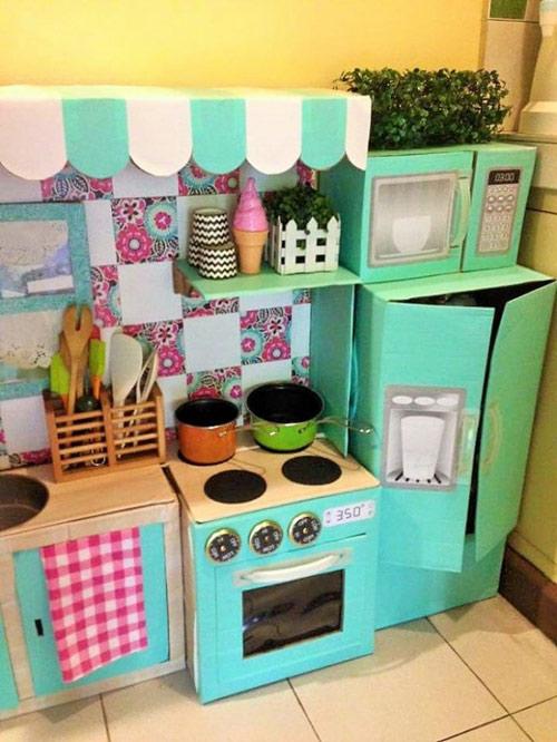 Nhà bếp từ thùng giấy cho bé đẹp ngang ngửa đồ chơi tiền triệu-7