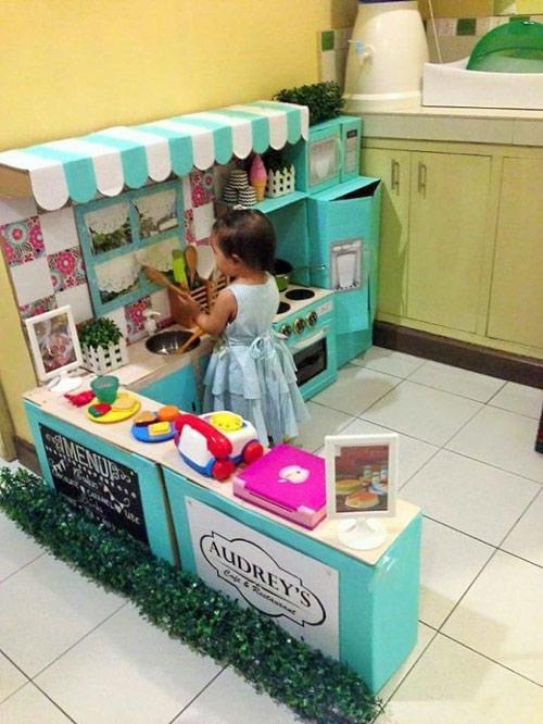 Nhà bếp từ thùng giấy cho bé đẹp ngang ngửa đồ chơi tiền triệu-8