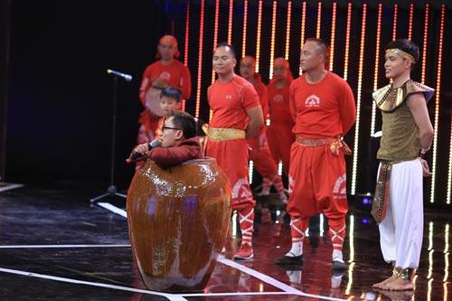 truong the vinh khoe ban gai phi cong tren truyen hinh - 10
