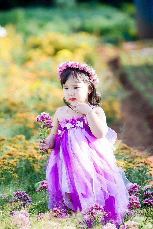 vo nguyen ha uyen - ad60554 - cong chua nho tren dong hoa - 5