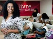Eva tám - Thành 'nữ triệu phú khu ổ chuột' nhờ 1 lần thử làm tóc