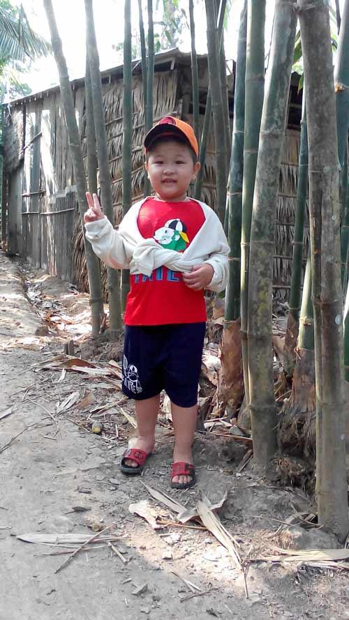 nguy gia dat - ad10173 - be trai thong minh lanh loi - 2
