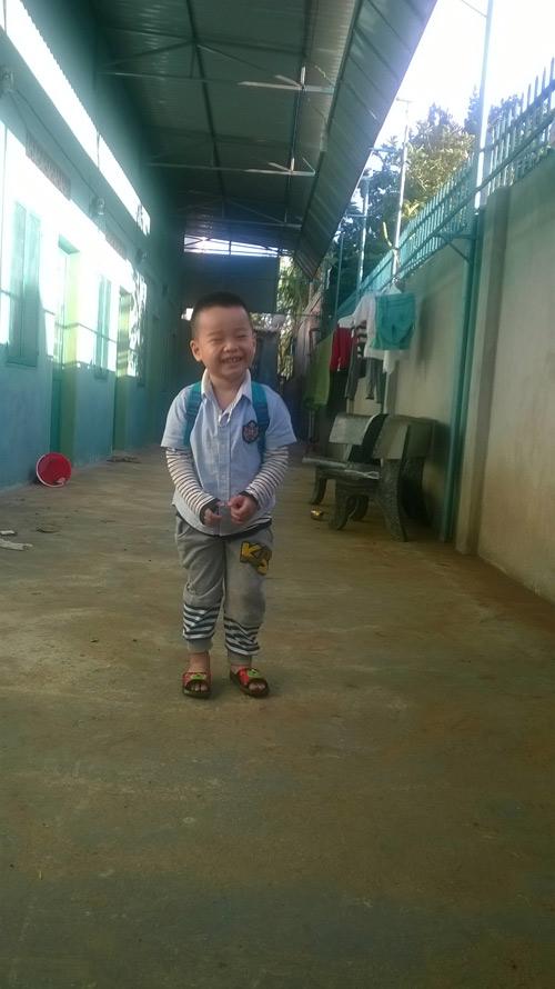pham hoang bach - ad22216 - chang trai thich cuoi - 3