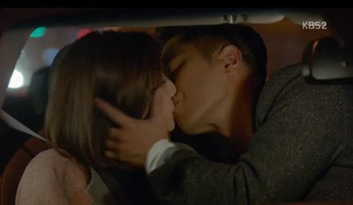 song hye kyo chet lang khi thay song joong ki toan than day mau - 9
