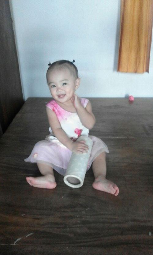 phan tran tuong vi - ad20106 - co be hay nhong nheo cha - 3