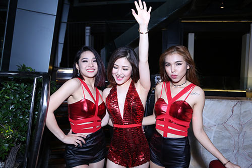 hau the remix, huong tram lai sexy, boc lua tro lai - 4