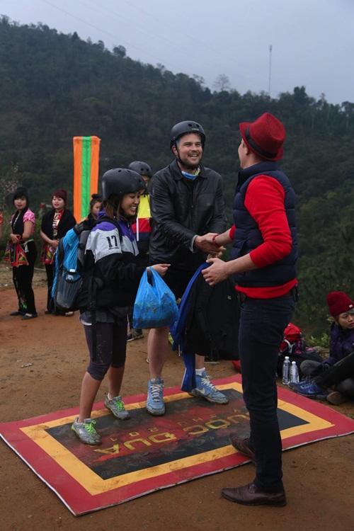 """huong giang idol che nguoi yeu """"kem"""", tien dat ung dung ve nhat - 17"""