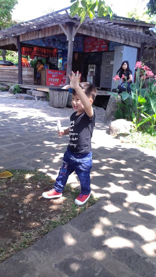 duong khang - ad16697 - bobo mat den lay - 3