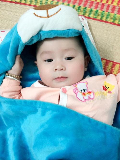 phan nguyen gia han - ad14900 - ma tham moi hong - 1