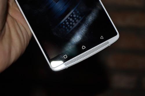lenovo a7010: smartphone chuyen xem phim voi loa kep - 3