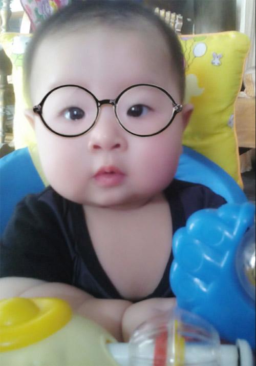 ngo ho tuan kiet - ad37949 - cu bon ma phinh hay cuoi - 2