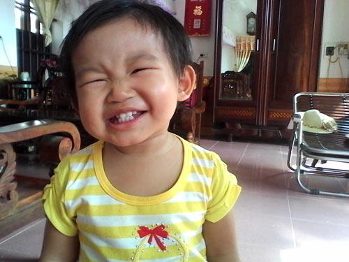trinh bao chau - ad29111 - mat cuoi lem linh - 1