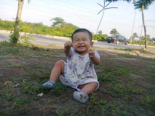 trinh bao chau - ad29111 - mat cuoi lem linh - 3