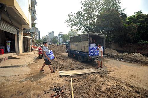 khon kho song tren con duong lay loi, hoi thoi giua thu do - 9