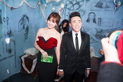 "tran thanh - hari won lien tuc tinh tu ""gay bao"" - 2"