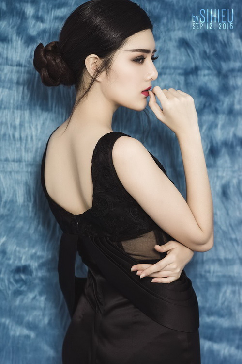 hot girl lily luta lanh lung khoe vong 1 goi cam nho dao keo - 7