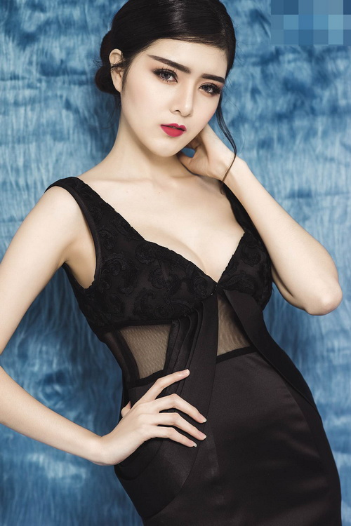 hot girl lily luta lanh lung khoe vong 1 goi cam nho dao keo - 9