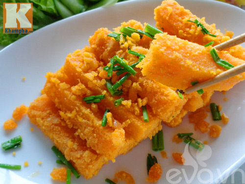 Bí đỏ xào trứng vịt muối đơn giản mà ngon-9