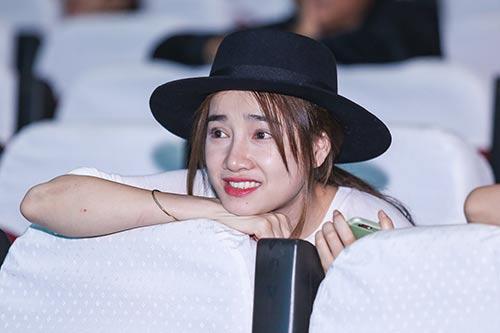 nha phuong cham chu theo doi truong giang tap kich - 4