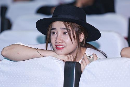 nha phuong cham chu theo doi truong giang tap kich - 1