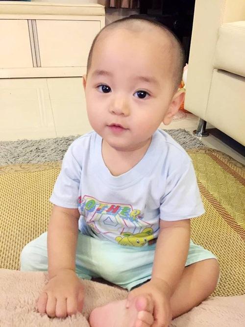con trai tra my idol hao hung di du lich cung bo me - 6