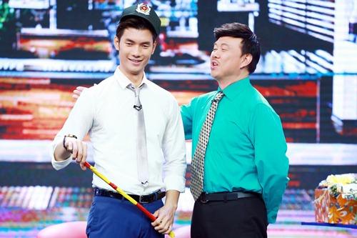 "hoai linh mang cau ""cap dat ma an"" cua ngoc trinh len san khau - 8"