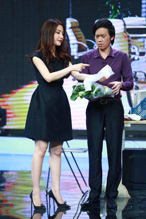 "hoai linh mang cau ""cap dat ma an"" cua ngoc trinh len san khau - 10"