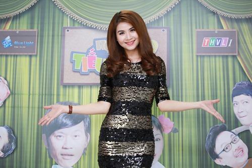 "hoai linh mang cau ""cap dat ma an"" cua ngoc trinh len san khau - 13"