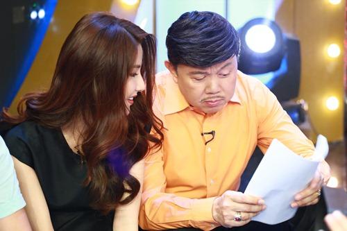 "hoai linh mang cau ""cap dat ma an"" cua ngoc trinh len san khau - 16"