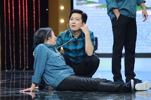 "hoai linh mang cau ""cap dat ma an"" cua ngoc trinh len san khau - 3"