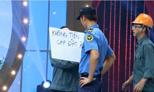 "hoai linh mang cau ""cap dat ma an"" cua ngoc trinh len san khau - 2"