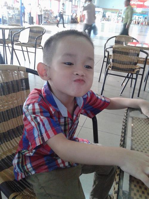 hoang the khang - ad23293 - chang trai hieu dong - 3