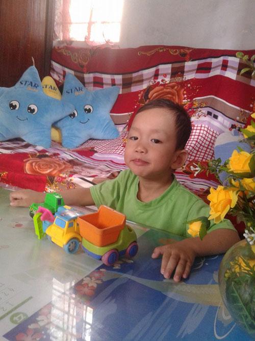 hoang the thinh - ad72434 - cau be tinh cam - 2