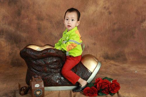 hoang the thinh - ad72434 - cau be tinh cam - 6