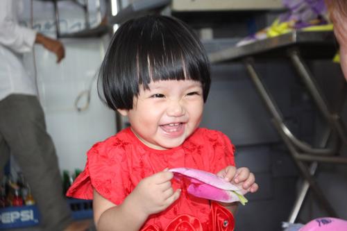 le bao chau - ad65653 - bon bon dang yeu - 2