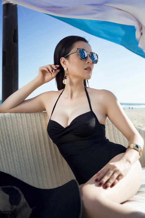 a hau ba con khoe than hinh goi cam kho tin voi bikini - 8